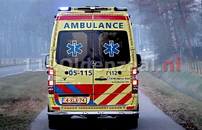 Scooterrijder (17) gewond bij een verkeersongeval in Enschede