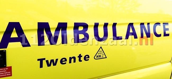Aanrijding met 4 auto's Rechteren Limpurgsingel Almelo, één persoon gewond