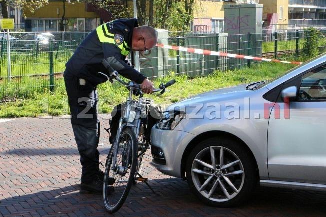 Fietser gewond bij aanrijding in centrum Enschede, VOA doet onderzoek
