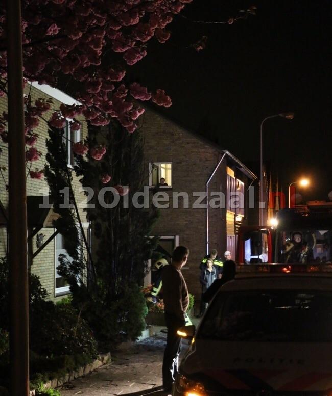 Brandweer rukt uit voor brand in conifeer Tulpstraat Oldenzaal