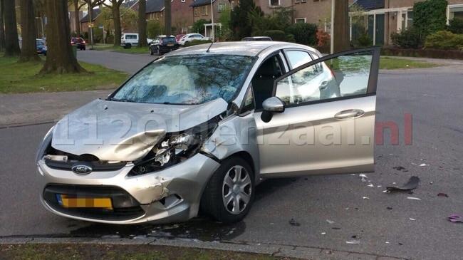 Flinke schade bij aanrijding in Enschede