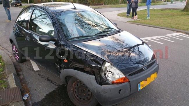 Foto 2: Flinke schade bij aanrijding in Enschede