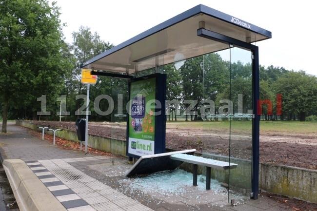 Foto 3: Vernieling aan bushokje Thijsniederweg Oldenzaal