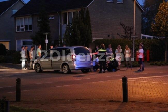 Foto 2: Gewonde bij aanrijding in Denekamp