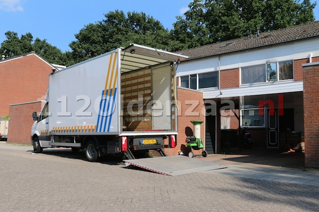 UPDATE: Hennepkwekerij aangetroffen Hunenveldlaan Oldenzaal, 5 personen aangehouden