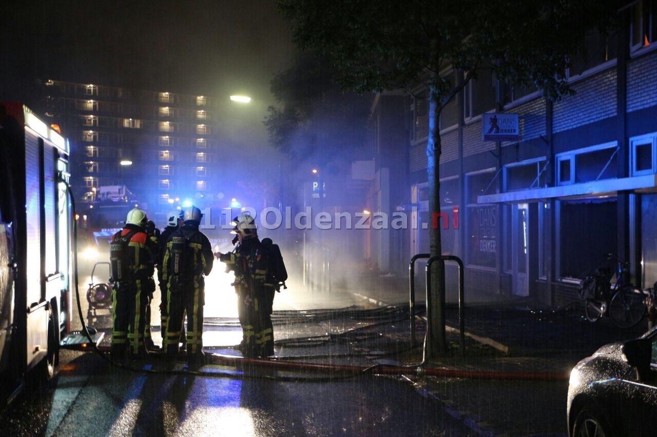 Foto: Brand bij Danscentrum Dekker Wooldriksweg Enschede