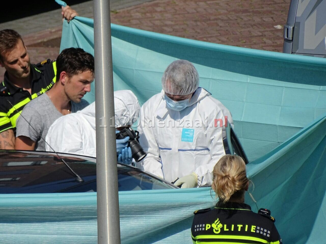 Update: Dode man in auto Enschede niet omgekomen door misdrijf