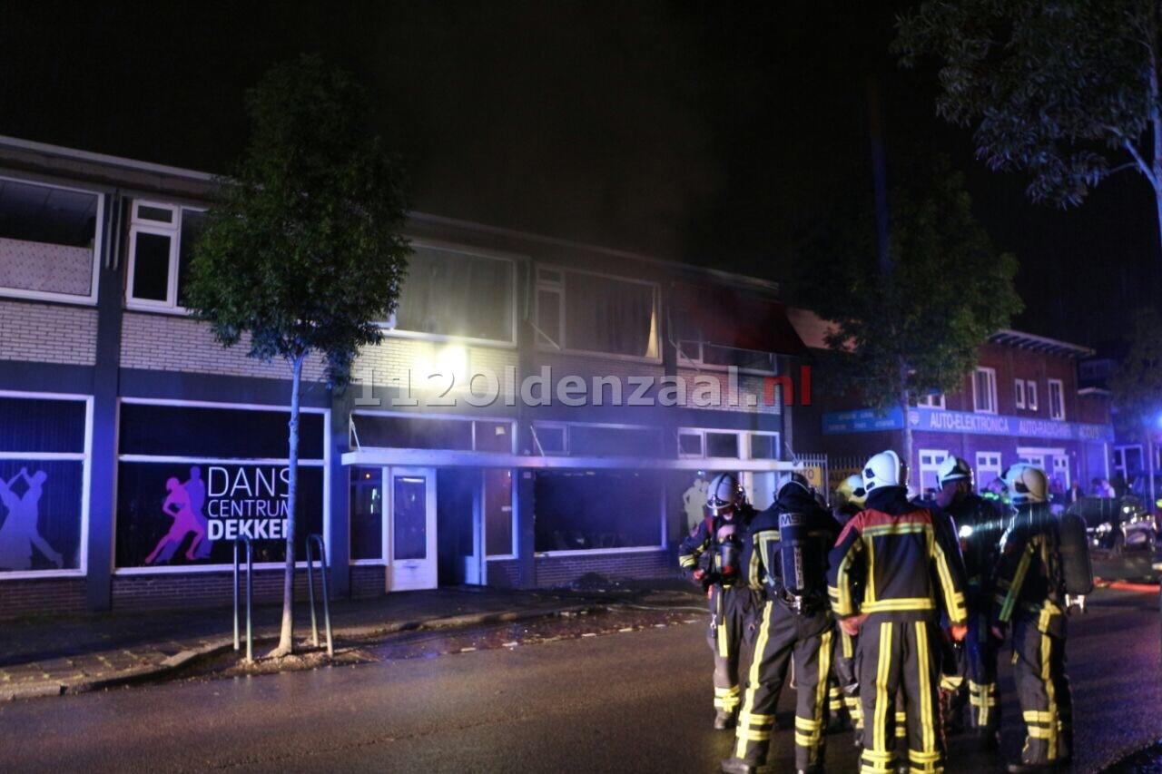UPDATE: Brandweer redt bewoonster uit woning Enschede