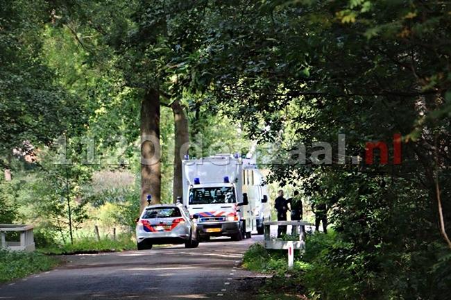 foto 3: Levenloos lichaam aangetroffen bij Het Rutbeek in Enschede, uitgebreid sporenonderzoek