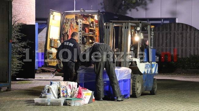 foto 3: Mogelijk drugslab gevonden in Oldenzaal, politie doet onderzoek