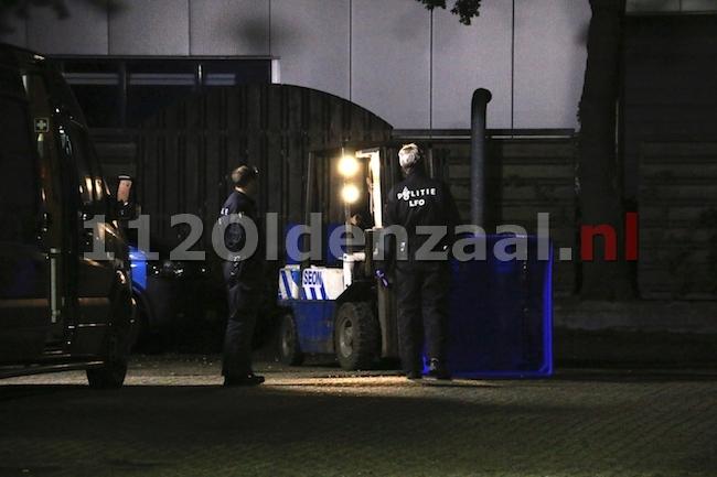 foto 2: Mogelijk drugslab gevonden in Oldenzaal, politie doet onderzoek
