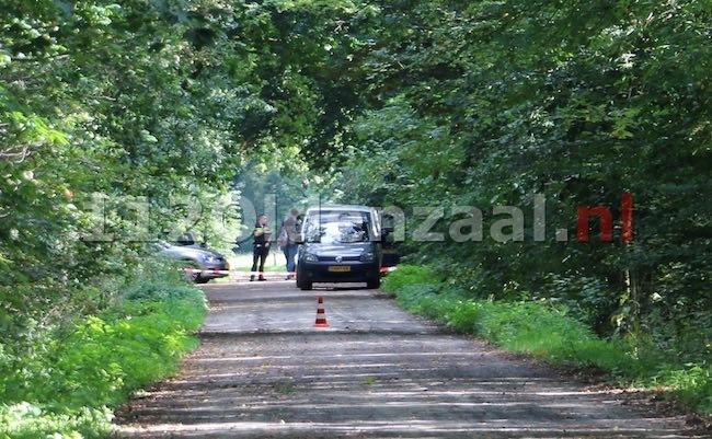 Levenloos lichaam aangetroffen bij Het Rutbeek in Enschede, uitgebreid sporenonderzoek