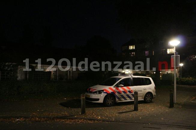 Echtpaar in woning Enschede overvallen, politie zoekt 2 negroïde mannen en getuigen