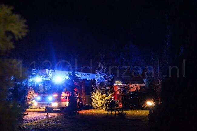 Foto: Brandweer uit De Lutte, Ootmarsum en Nordhorn rukken uit voor schoorsteenbrand in Denekamp