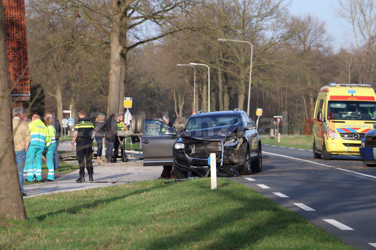 foto 2: Gewonden bij ongeval Rossumerstraat Agelo