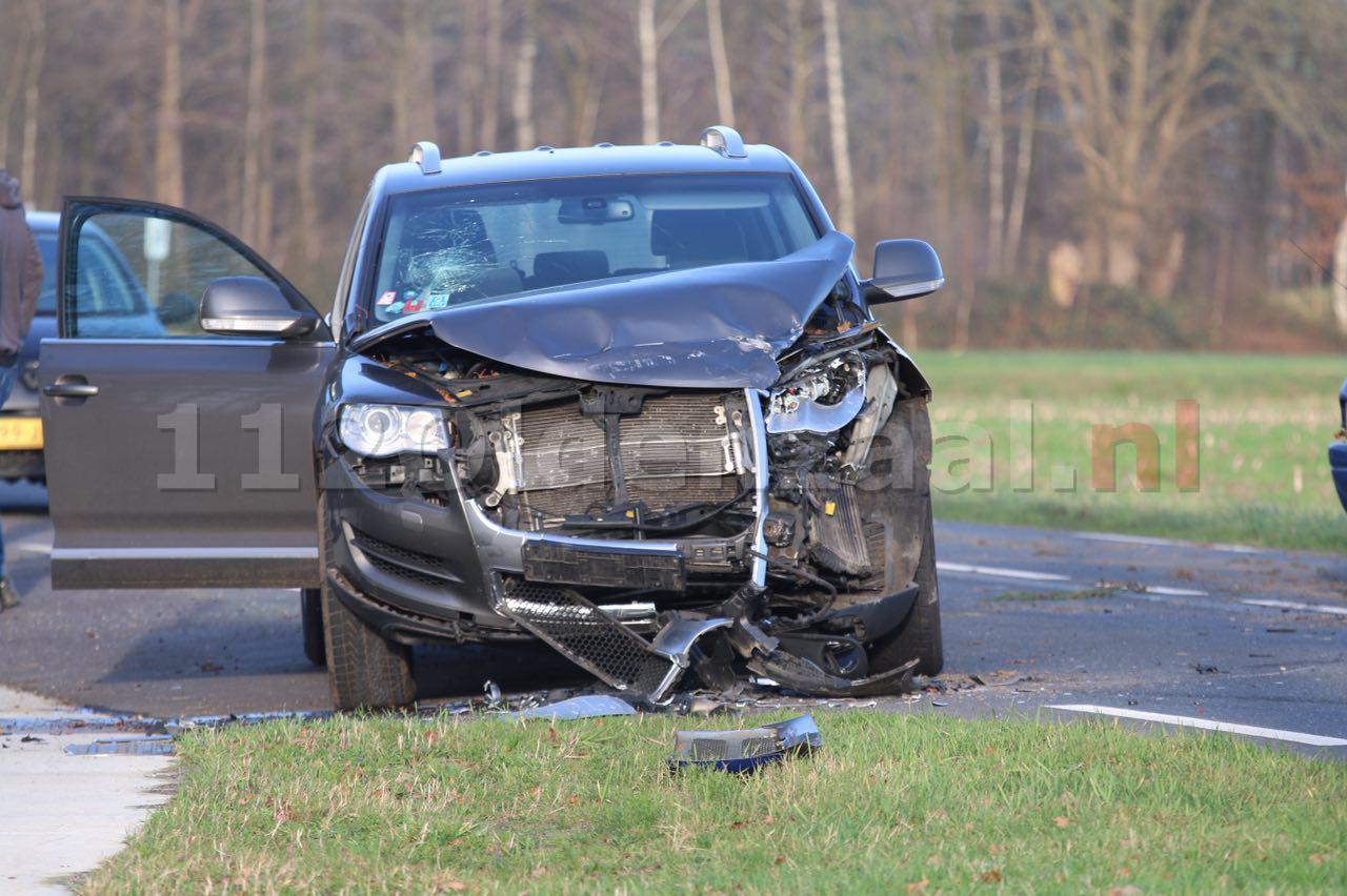 Video: Twee gewonden bij ongeval Rossumerstraat Agelo