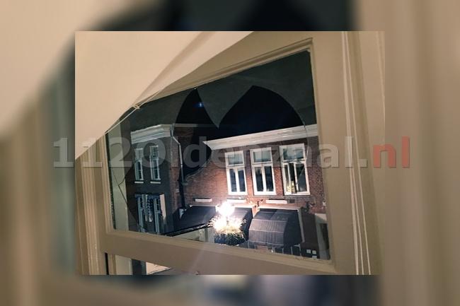 foto: Ruiten van woning centrum Oldenzaal vernield door zwaar vuurwerk