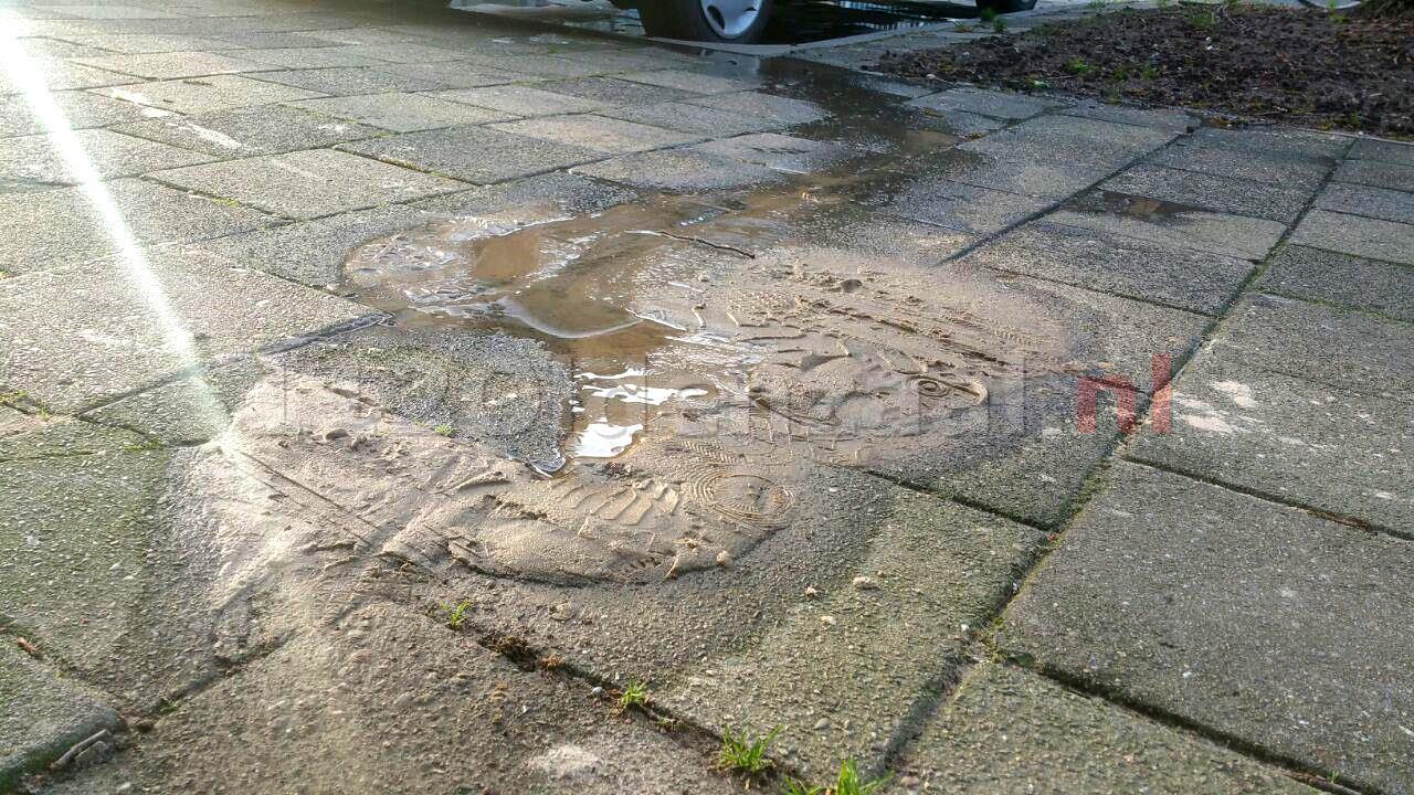 foto: Melding gaslek in Enschede blijkt lekkende waterleiding
