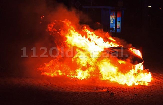 Foto: Opnieuw autobrand in Hengelo