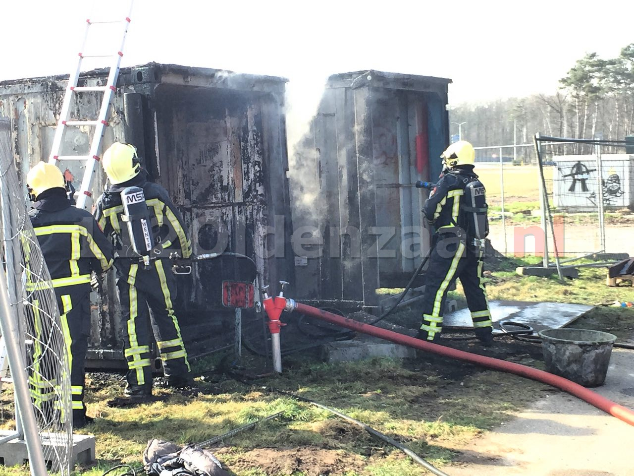 Video: Brandweer rukt uit voor brand in containers Jufferbeek Oldenzaal