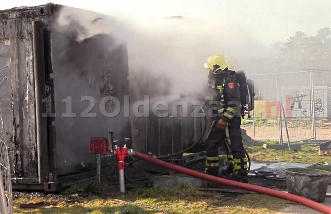 Foto 2: Brandweer rukt uit voor brand in containers Jufferbeek Oldenzaal