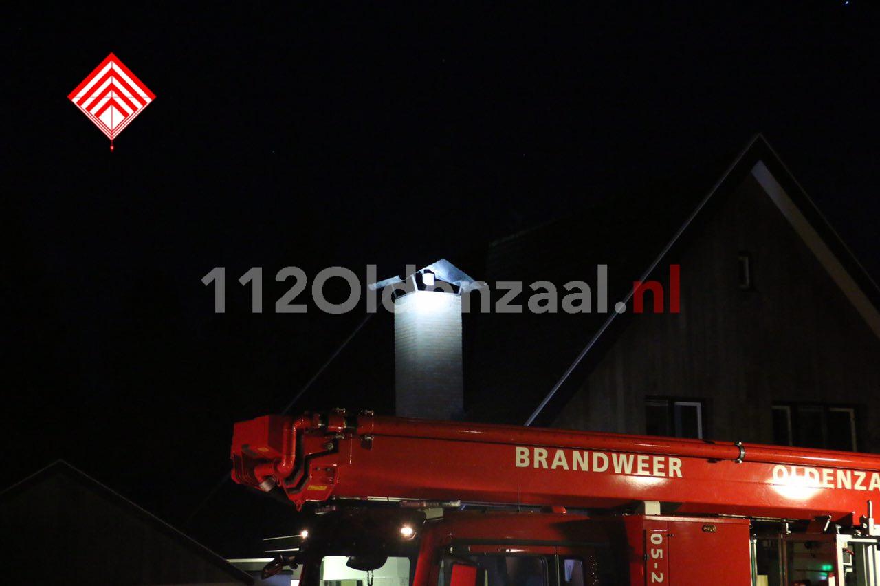 Brandweer rukt uit voor melding schoorsteenbrand Daminklaan Oldenzaal