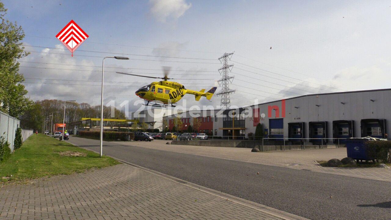 Ernstig bedrijfsongeval in Enschede, traumahelikopter opgeroepen