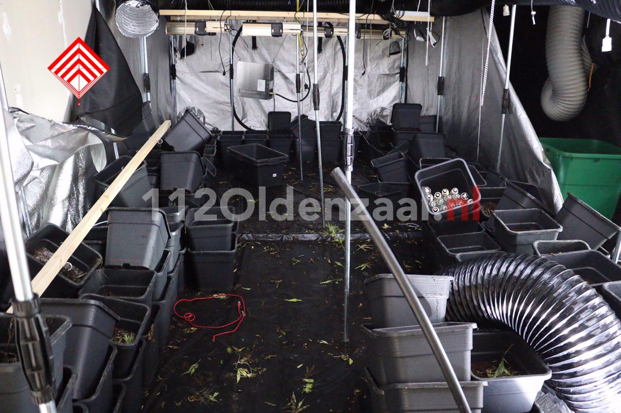 Foto 3: Vier personen aangehouden na inval hennepkwekerij in Oldenzaal