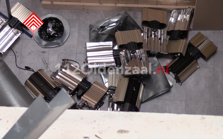 UPDATE (Persbericht): Vier personen aangehouden na inval hennepkwekerij in Oldenzaal