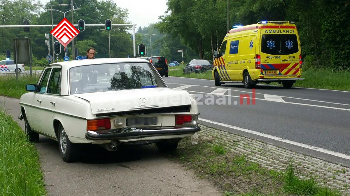 Foto en Video: Aanrijding tussen vier auto's in Enschede