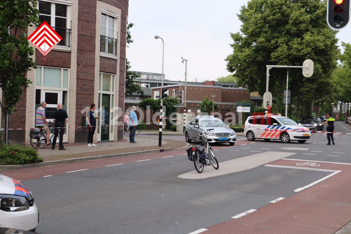 UPDATE: 88-jarige vrouw uit Oldenzaal levensbedreigend gewond na aanrijding met taxi