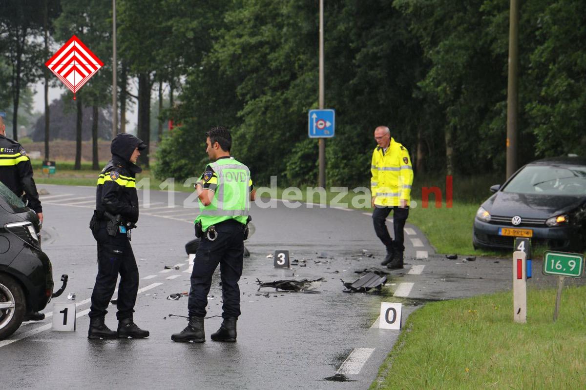 Foto 2: Twee gewonden bij frontale aanrijding in Tubbergen