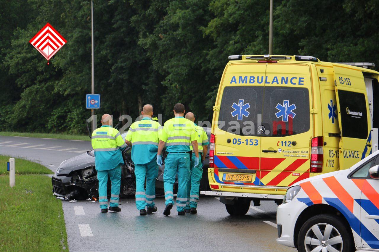 Video: Twee gewonden bij frontale aanrijding in Tubbergen
