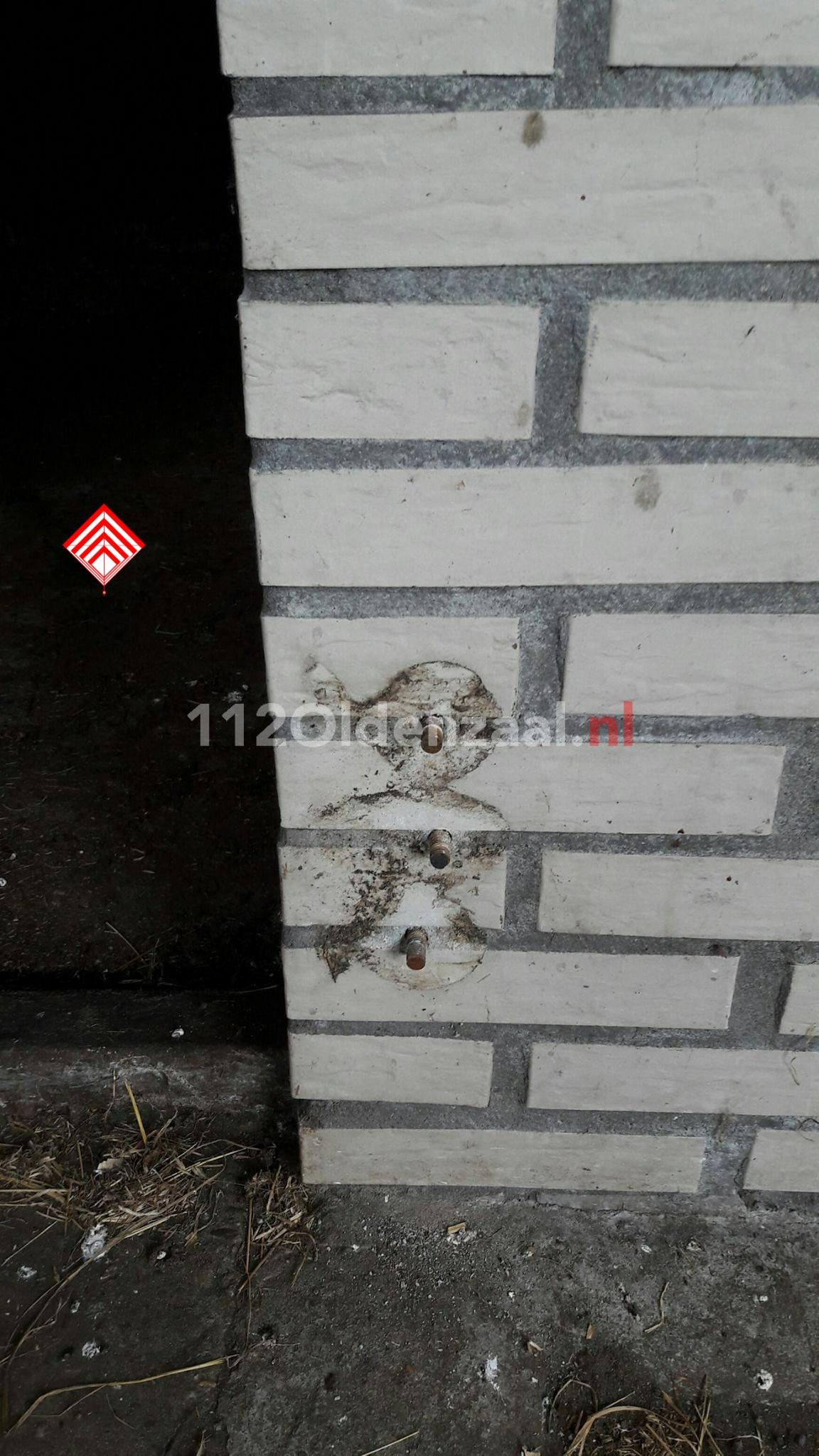 Foto 3: Houten deuren gestolen bij paardenschuur in Oldenzaal