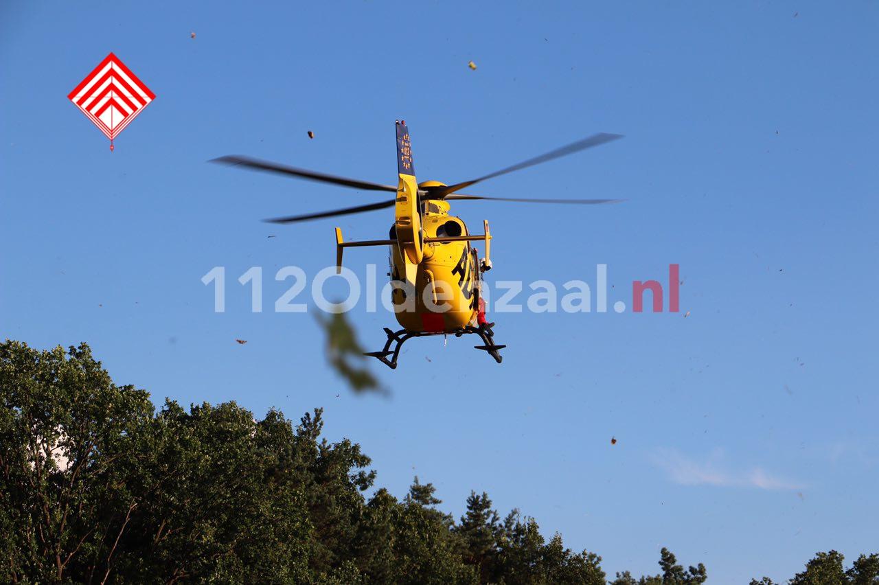 Foto 6: Ernstig ongeval in Agelo, traumahelikopter te plaatsen