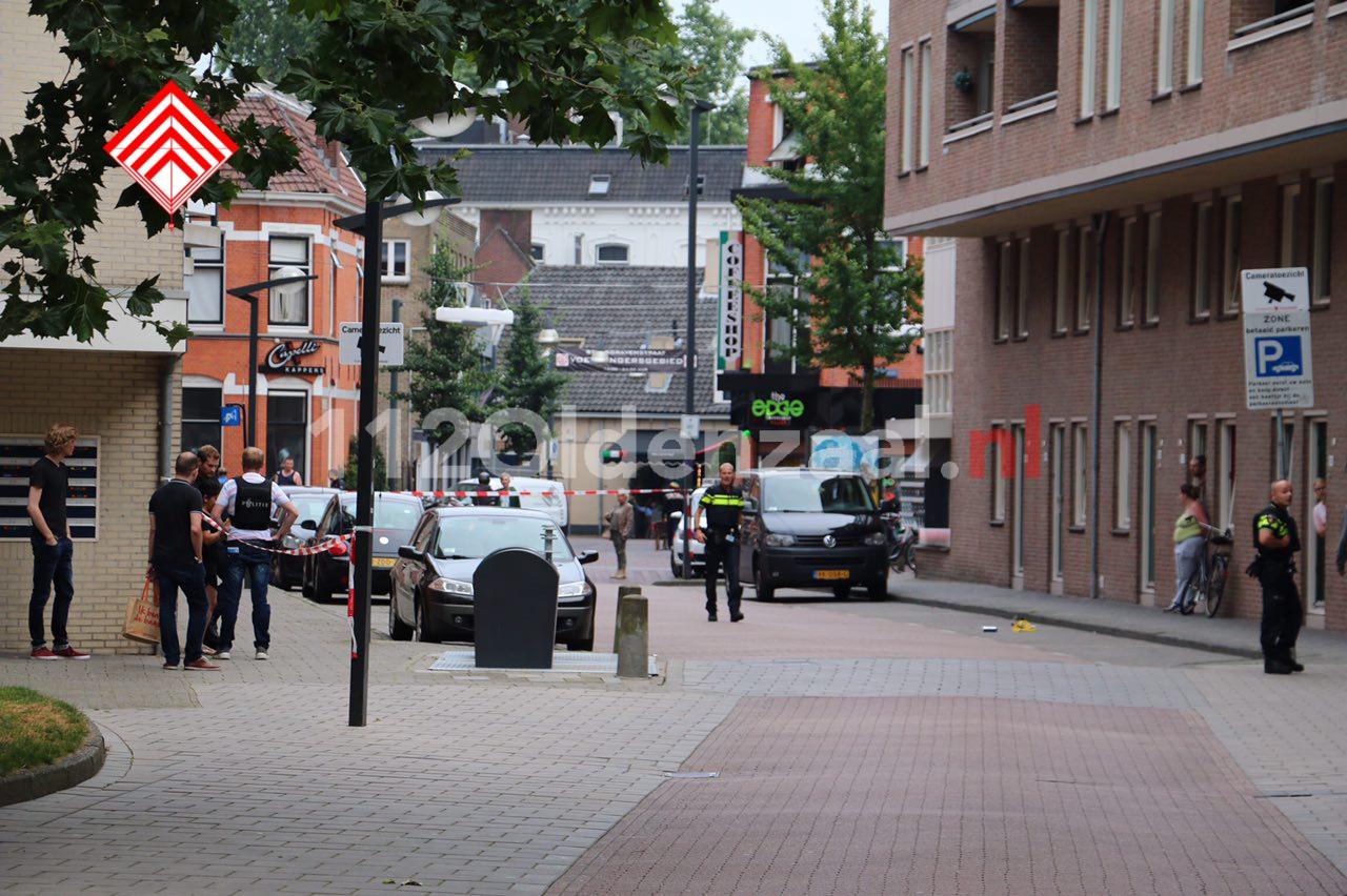 VIDEO: Twee personen aangehouden na schietpartij in centrum Enschede