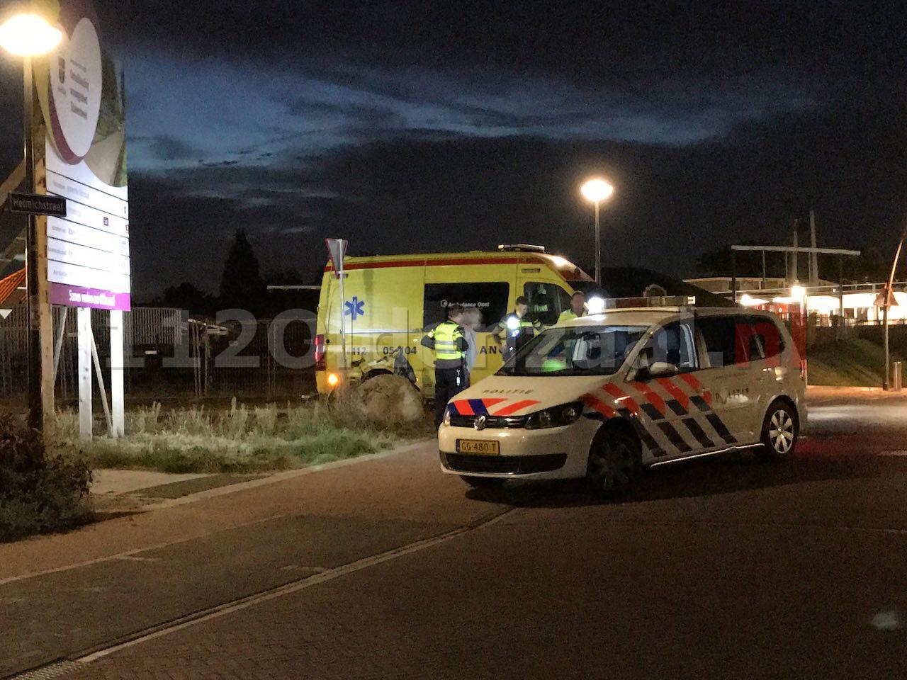 Foto: Fietsster raakt gewond bij aanrijding in Oldenzaal