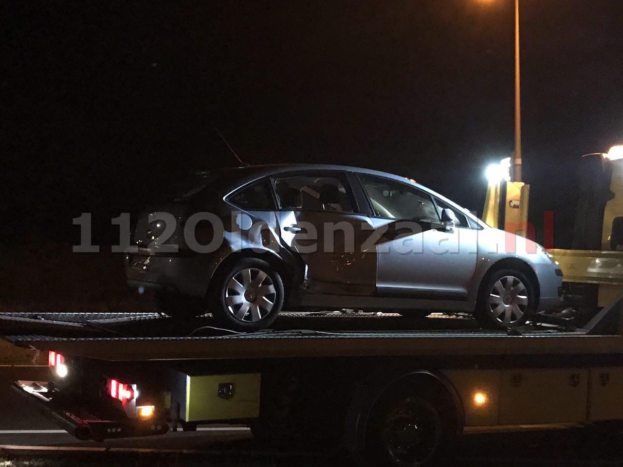 Foto: Aanrijding Enschedesestraat Oldenzaal; een voertuig afgesleept