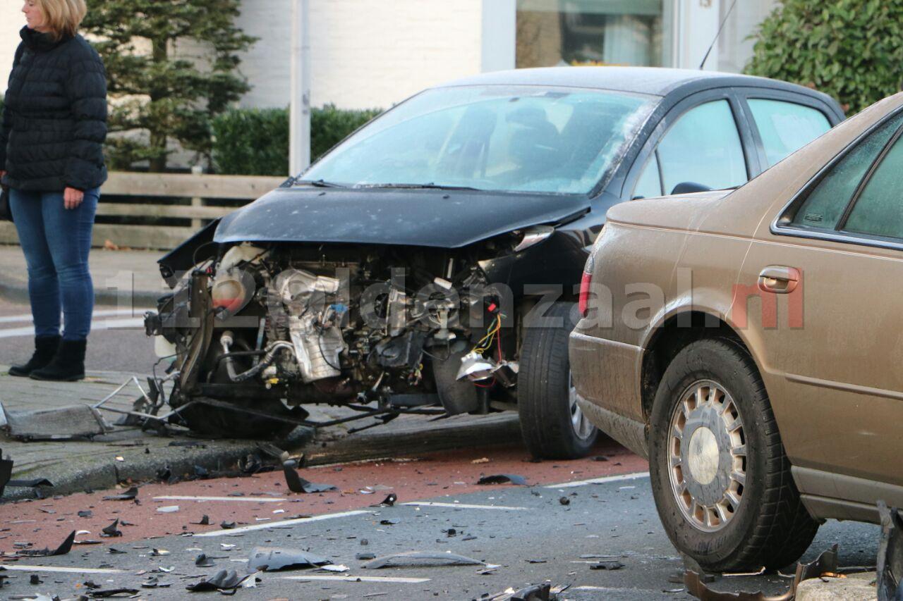 Foto: Ravage en twee gewonden na ongeval in Enschede