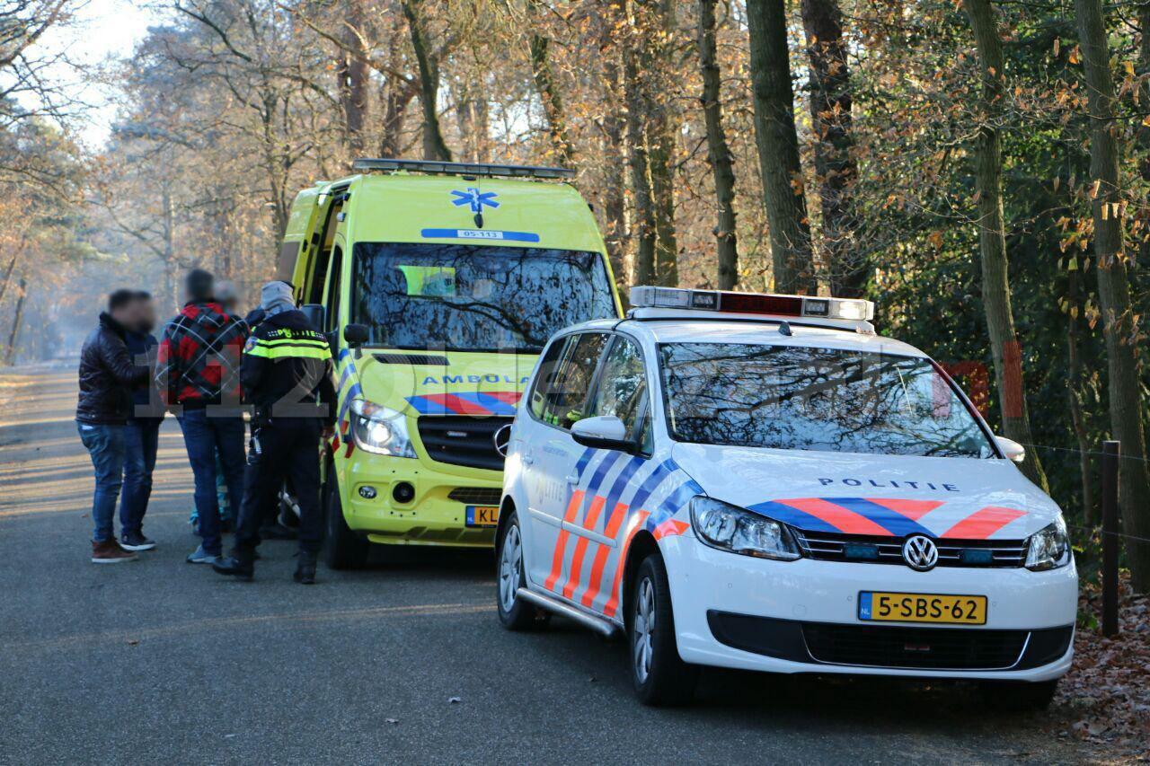 Foto 2: Busje van transportbedrijf overvallen in Enschede, bestuurder wordt wakker in bos