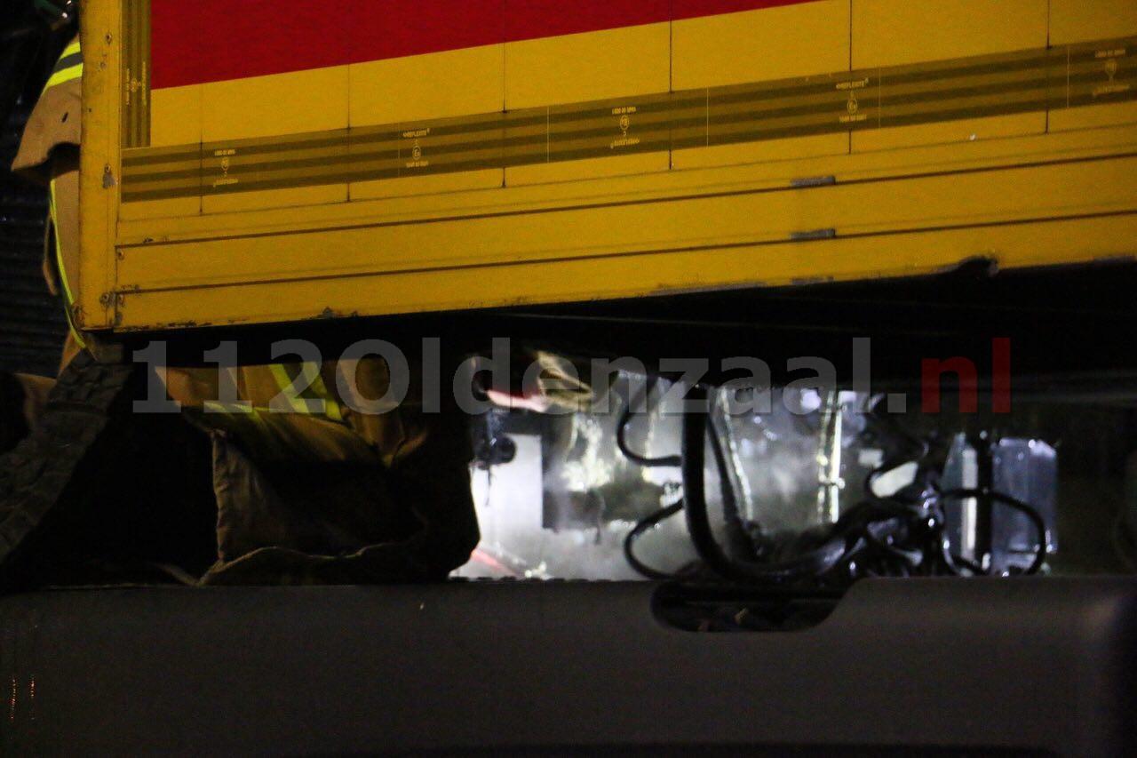 Foto: Brandweer rukt uit voor vrachtwagenbrand Oldenzaal