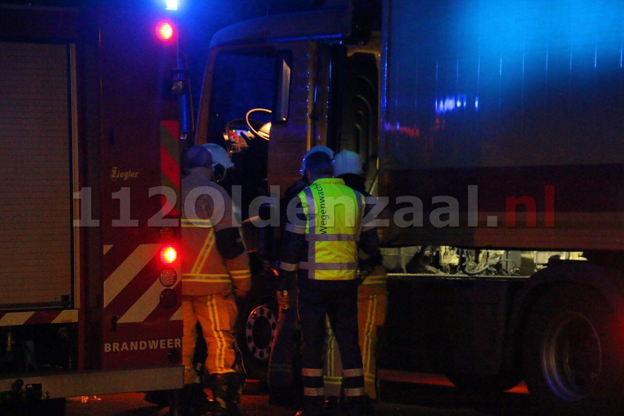 Foto 3: Brandweer rukt uit voor vrachtwagenbrand Oldenzaal