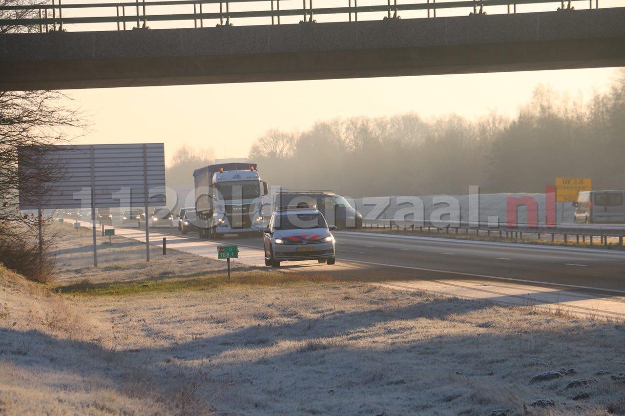Foto 3: Chaos op A1 bij Oldenzaal, meerdere ongevallen door gladheid