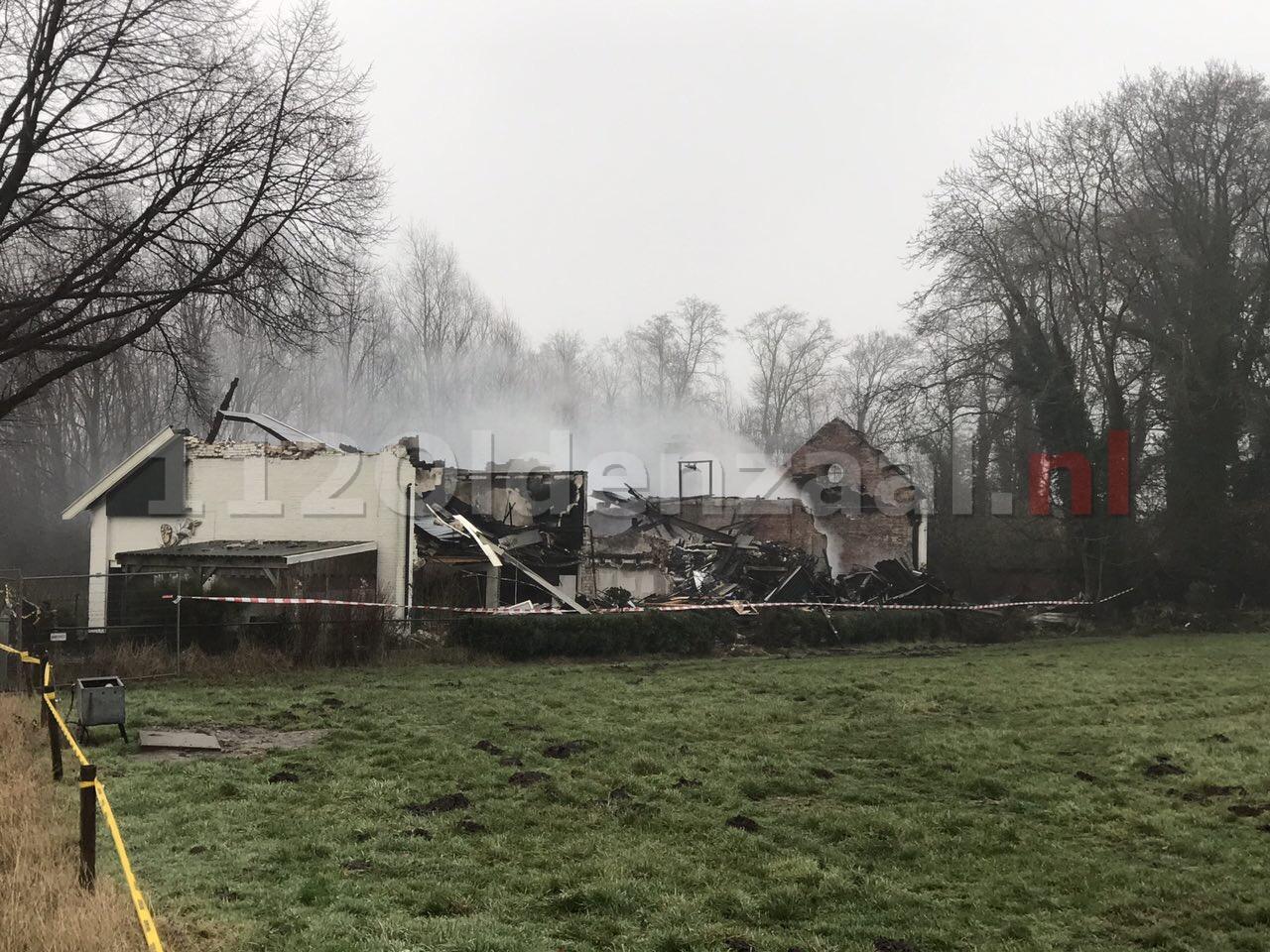 Video: Grote brand woonboerderij Denekamp; Ravage goed zichtbaar bij daglicht