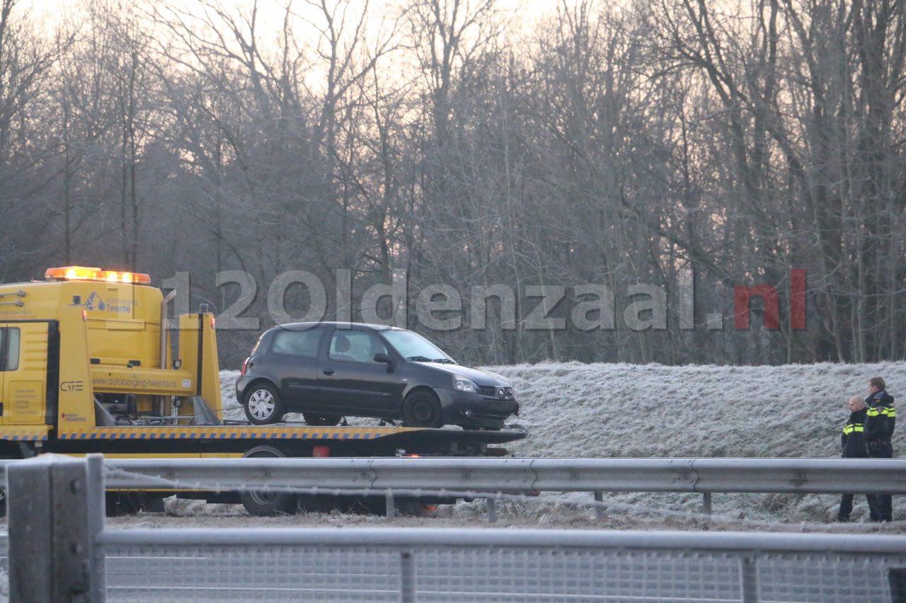 Foto 2: Hulpdiensten rukken uit voor ongeval op A1 Oldenzaal