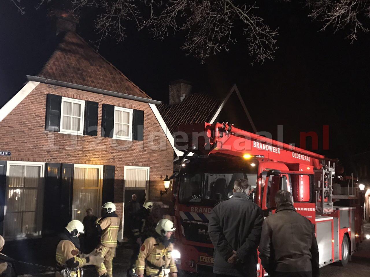 Foto: Flinke schoorsteenbrand in Ootmarsum