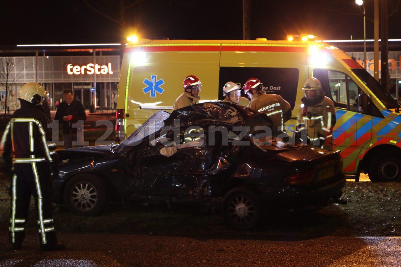 Video: Dode bij ernstige aanrijding in Enschede