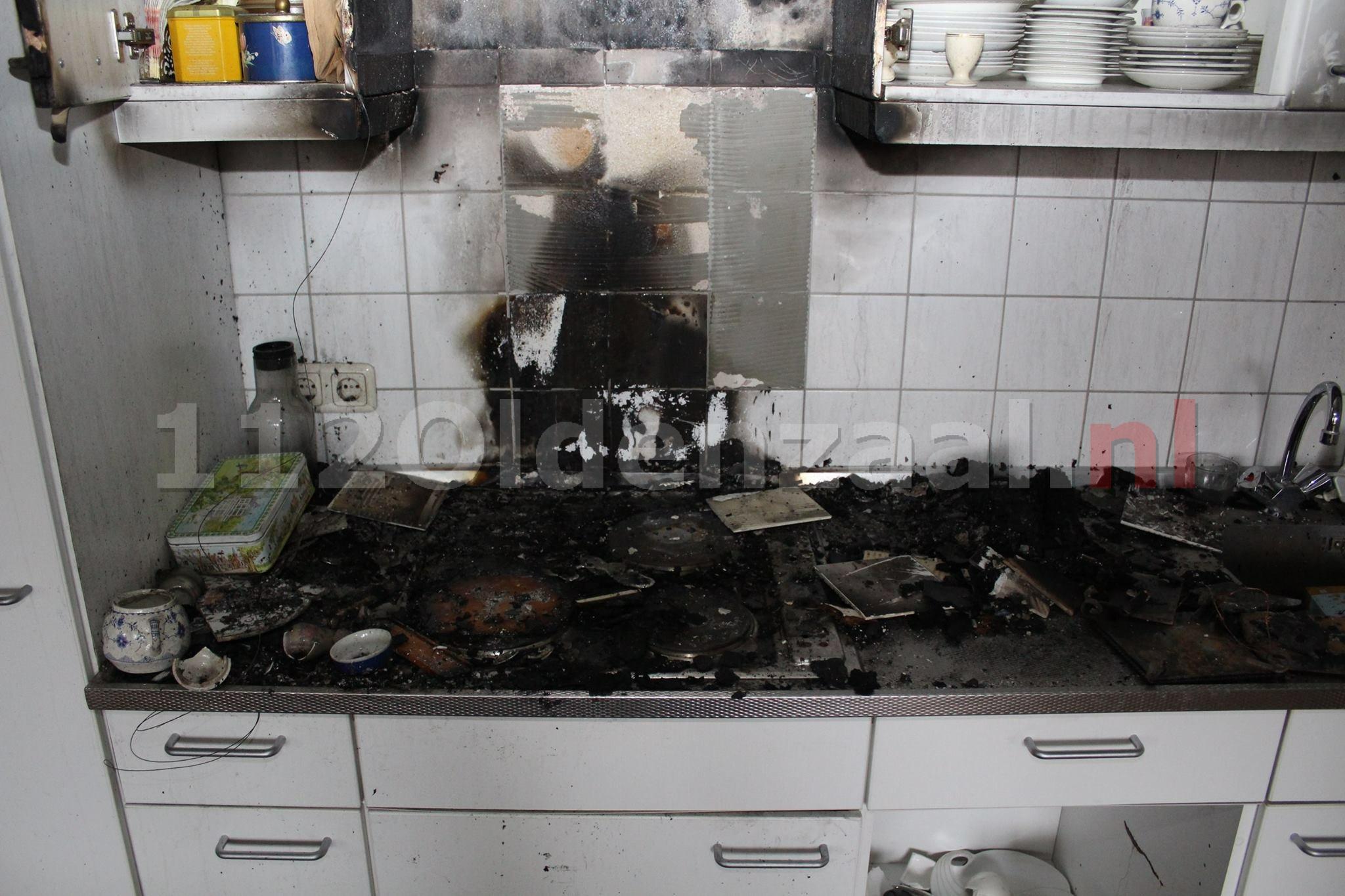 Foto 2: Brandweer geeft inkijk in appartement Oldenzaal waar brand woedde