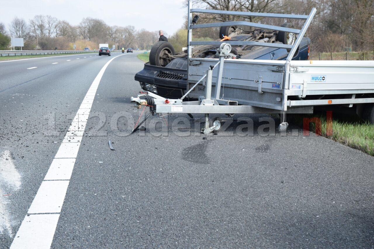 Foto 2: File op A1 richting Oldenzaal door meerdere aanrijdingen