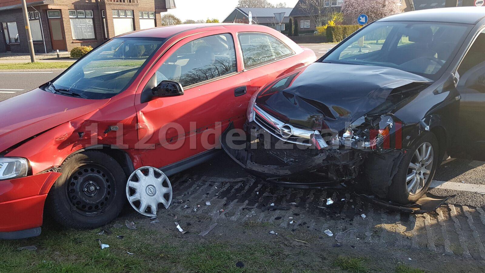 Foto 2: Schade bij aanrijding in Tubbergen